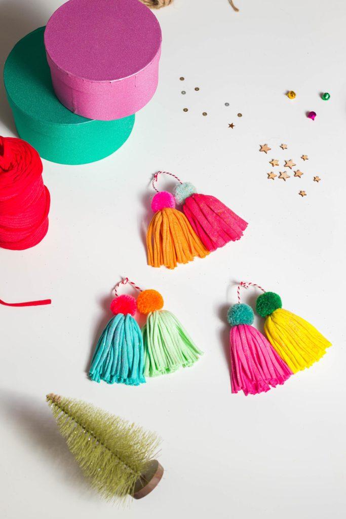 T-shirt yarn tassels